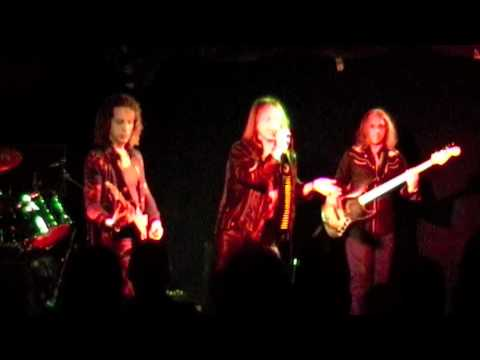 Leaf Hound - The Man the Moon in Him - Camden Underworld 17-09 ... online metal music video by LEAF HOUND