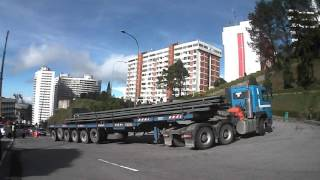 Video VOLVO FMX I-Shift taking a tight turn at GENTING HILANDS, MALAYSIA. 1 MP3, 3GP, MP4, WEBM, AVI, FLV September 2018