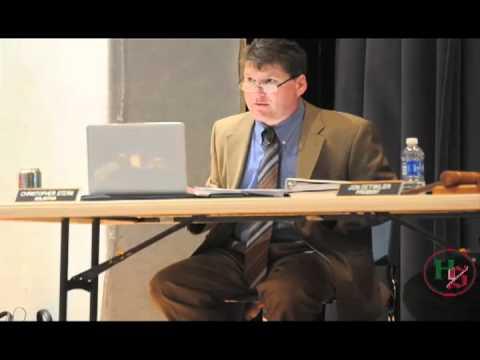School board hears testimony in possible school closing