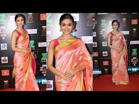 Alia Bhatt At The Zee Cine Awards 2017