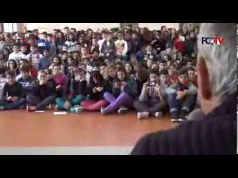 F.C. Crotone, bambini in delirio all'Istituto Alfieri per i rossoblù