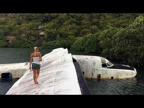 Abandoned plane wreck in the Philippines -  Ep. 60 Hilma Sailing