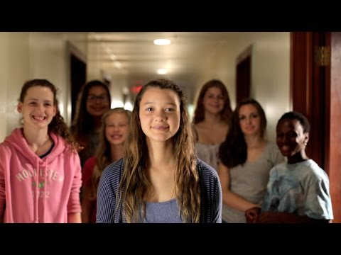 "Phillip Phillips' ""Home"" In ASL By Deaf Film Camp At CM7"