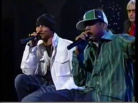 Jay-Z and Pharrell - Change Clothes (Live on The Late Show)