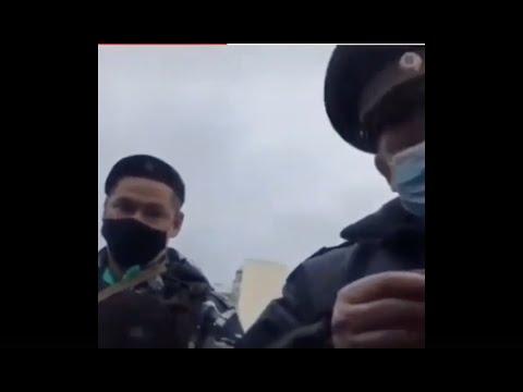 «А это кто? Спецподразделение по избиению студентов и женщин на мирных митингах?»