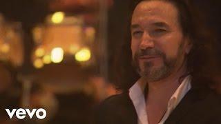 Marco Antonio Solís videoklipp Más Que Tu Amigo (En Vivo Desde Buenos Aires)