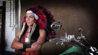 10. Calendário Encontro das Máquinas 2014 - Pamela Propst & Indian Vintage Chief 2012