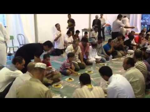 La rottura del digiuno del ramadan