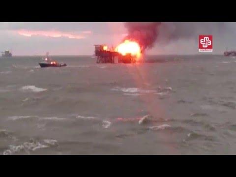 В Азербайджані загорілася платформа для видобутку нафти: є жертви (відео)