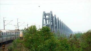 Rajahmundry India  City new picture : Indian railway's Majestic Rajahmundry bridge | Godavari river.