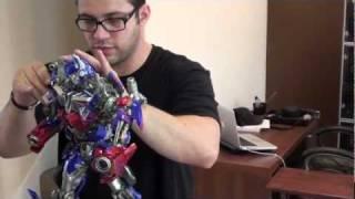 Optimus Prime Maquette Unboxing