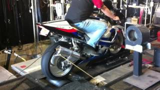 6. 2000 suzuki gsxr 750 on the dyno
