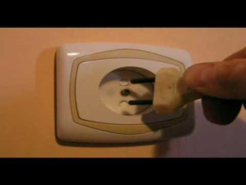 jak-zabezpieczyc-gniazdko-elektryczne-przed-dziecmi