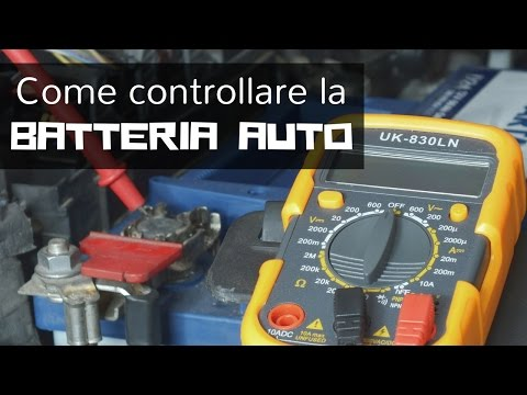 Come controllare lo stato della batteria dell'auto con un tester / multimetro