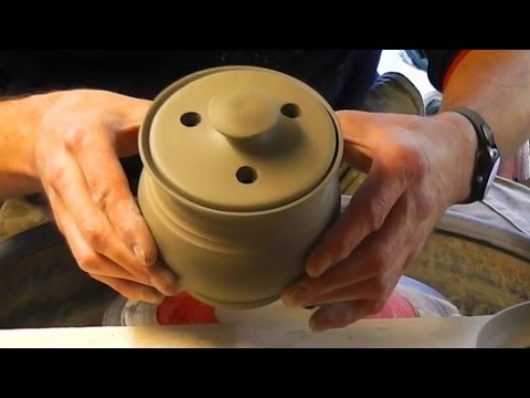 Throwing / Making a Simple Pottery Garlic Pot & Lid on the Wheel