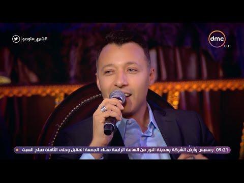 """شاهد- أحمد فهمي والـ """"كتكوت"""" الأخضر..قصة أغرب هدية من معجبة"""