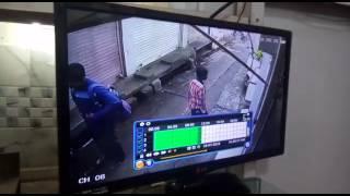 Sone se bhara beg leke bhaga larka deke cctv video.