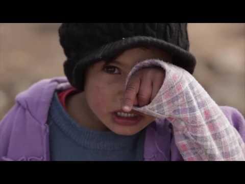 Ewan McGregor per i bambini siriani: una coperta per proteggerli dal freddo