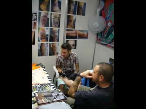 Nosotros  y  donde  hacemos  piercing y  tatuaje