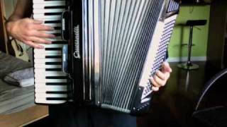 Beirut - Nantes - How to play on the accordion (Part 1 of 3)