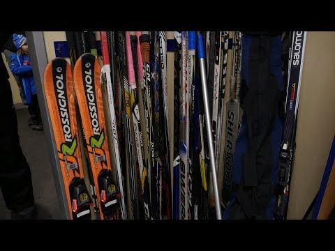 Jako Ester! I malí hokejisté dokáží kombinovat zimní sporty