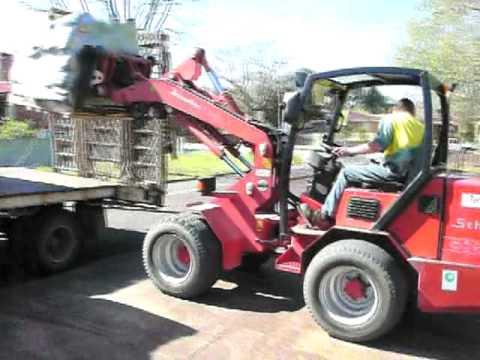 Wheel loaders - Schaffer 5050Z (50hp) & 5058ZS (70hp) wheel loaders in action