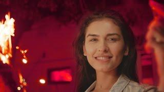 Les Elephants Bizarres Rosu Neon pop music videos 2016