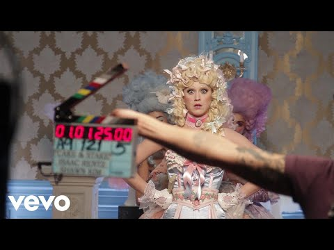 "Katy Perry - Making Of ""Hey Hey Hey"" Music Video - Thời lượng: 4 phút, 52 giây."