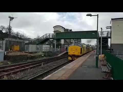 97303 and 97302 departing Machynlleth on 6C70