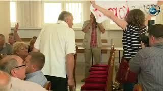Tak mieszkańcy Ostrzeszowa powitali towarzysza Piotrowicza :)))