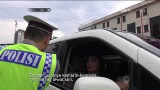 Video Hendak Ditilang Polisi, Ibu ini Izin Hubungi Kakaknya yang Anggota Polisi - 86 MP3, 3GP, MP4, WEBM, AVI, FLV Februari 2018