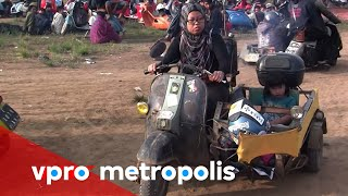 Video Extreme love for Vespa in Indonesia - vpro Metropolis MP3, 3GP, MP4, WEBM, AVI, FLV Desember 2018