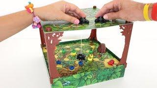 TotoyKids juega a Hormiguitas y Arañas Niños contra Niñas!!! Quién ganará???