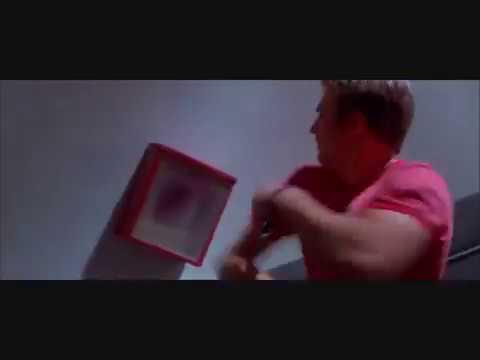 Cellular (2004) - Chase Scene