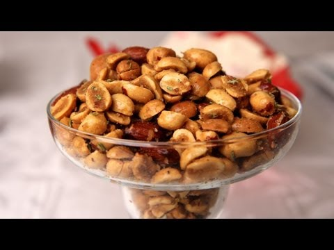 Holiday Spiced Nuts – Laura Vitale – Laura in the Kitchen Ep 257