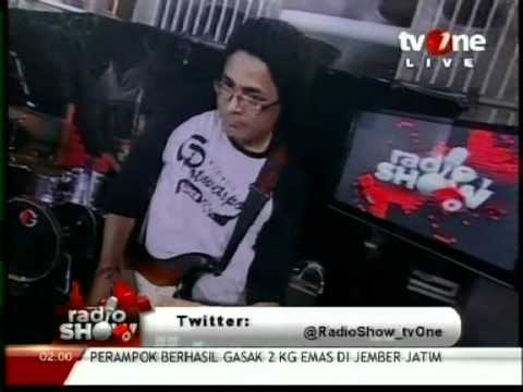 "Ras Muhamad & The Easy Skankin ""Welcome To Jamrock/GetupStandup"" Live In Tv One, March 2012"