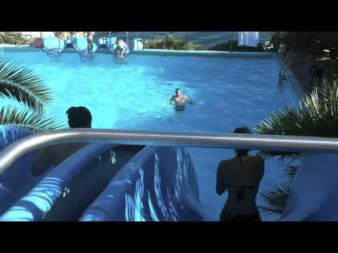 0 Escorregador aquático gigante