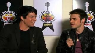 Download Lagu Adam Lambert and Kris Allen Answer Some Questions (5/28/09) Mp3