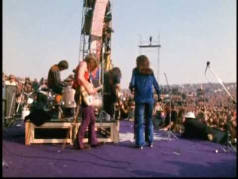 ALTAMONT - Jefferson Airplane at Altamont Festival ... Hell Angels incidents, heavy drugs and many stoned people.