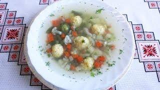 Овощной суп с фрикадельками из сыра.