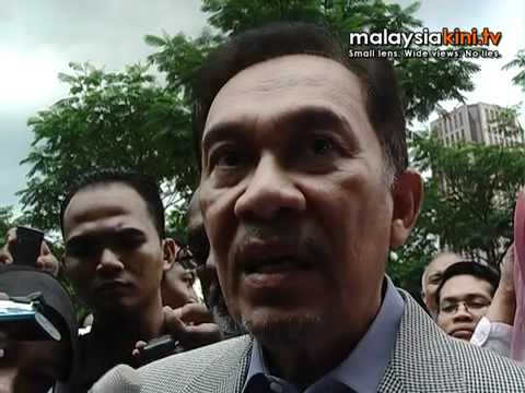 Anwar gives statement over sex video screening