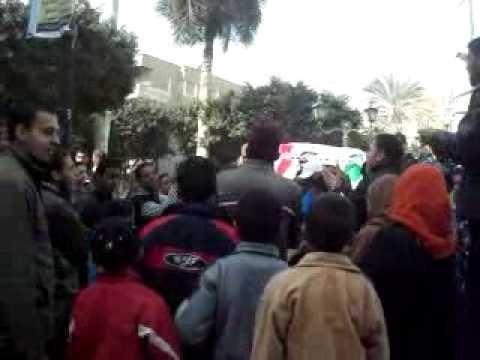 المئات في ميدان الثورة بالمنيا للاحتفال بذكرى الثورة