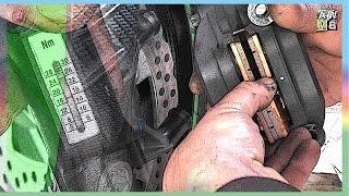 1. Motorrad Bremsbeläge wechseln