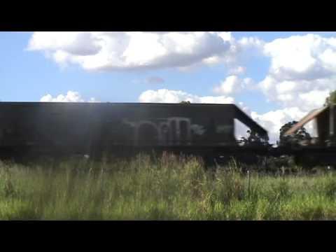 Coal Train passes by Gatton, QLD, Australia (8,0)
