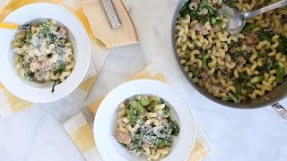 """Sarah Carey shows you a lighter take on a tuna casserole that get its brightness and crunch from fresh asparagus and arugula.Get the recipe: http://www.marthastewart.com/1514496/one-pan-creamy-tuna-pastaSubscribe for more easy and delicious recipes: http://full.sc/P8YgBt---------------------------------------------------------------Want more? Sign up to get the Everyday Food video recipe email, served daily.Get recipe emails: http://www.marthastewart.com/edfWant more Martha? Twitter: http://twitter.com/marthastewartFacebook: https://www.facebook.com/MarthaStewartPinterest: https://www.pinterest.com/marthastewart/Instagram: https://www.instagram.com/marthastewart/Google Plus: https://plus.google.com/+MarthaStewart/posts Sarah Carey is the editor of Everyday Food magazine and her job is to come up with the best ways to make fast, delicious food at home. But she's also a mom to two hungry kids, so the question """"What's for dinner?"""" is never far from her mind -- or theirs, it seems! Her days can get crazy busy (whose don't?), so these videos are all about her favorite fast, fresh meals -- and the tricks she uses to make it all SO much easier.http://www.youtube.com/user/everydayfoodvideos"""