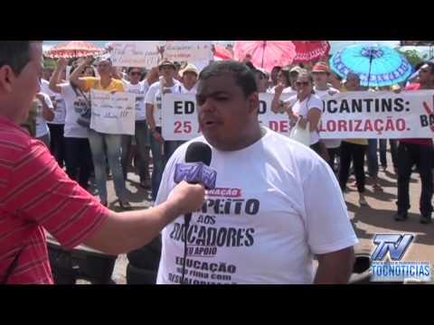 Professor Cleber explicando os motivos do bloqueio da BR 226 em Aguiarnópolis