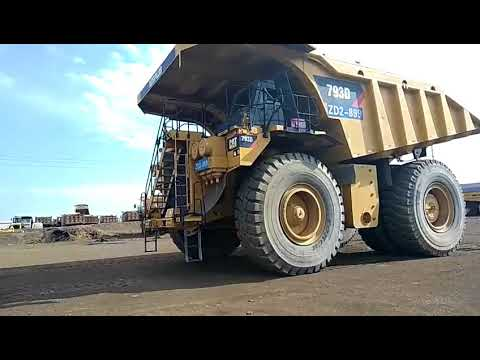 CATERPILLAR CAMIONES RÍGIDOS 793D equipment video D4uNwl2J4aU