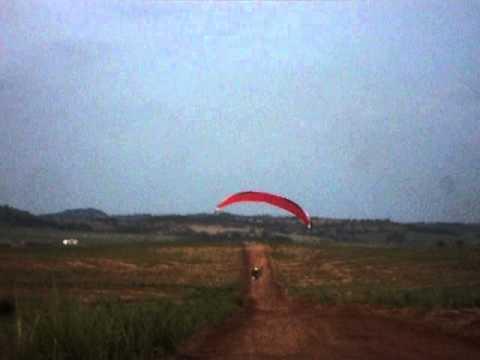 Paramotor   em Rubiataba, no comando João Quenedy o fera dos áres