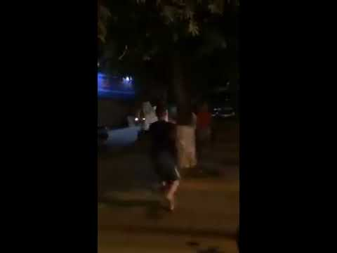 Clip vợ dắt trai dạo phố Hà Nội bị chồng bắt gặp và cái kết đắng