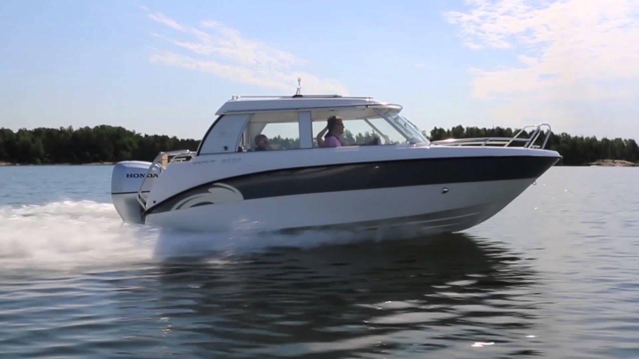 Закрытый катер с рубкой AMT 200 C – Обзор катера на воде